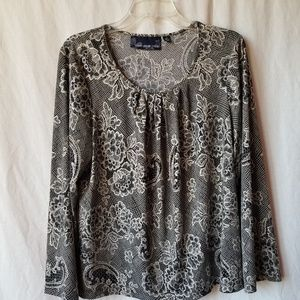 Susan Graver style bell sleeve paisley print top